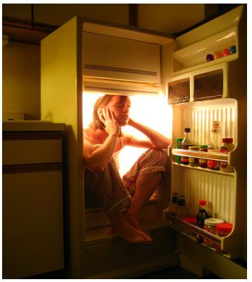 Girl in Refrigerator Because She is So Hot